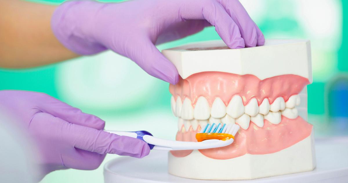 cepillar los dientes adecuadamente
